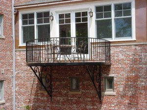 Curved balcony rail and deck 9 feet by 12 feet.